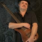 Pieter de Jong bassist